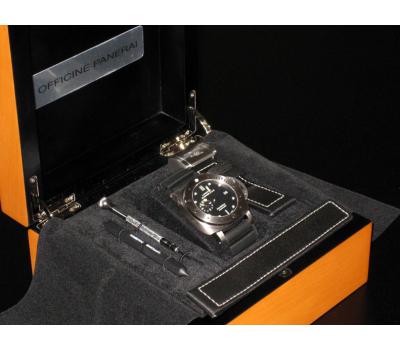 Panerai Luminor PAM00305 Супер акция, по цене закупки!Submersible 1950, 3 Days Power Reserve Titanio. - фото 4   Интернет-магазин оригинальных часов и аксессуаров